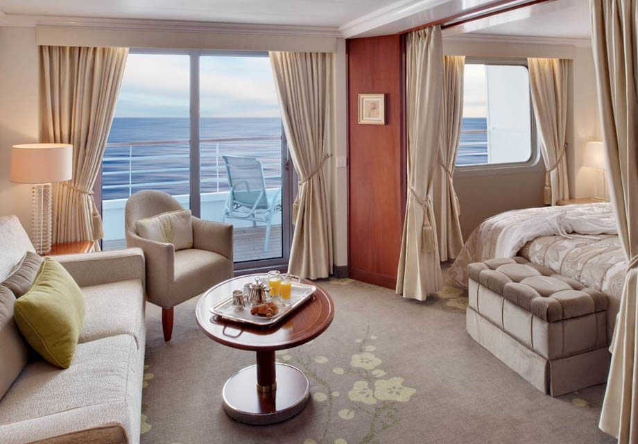 Crystal Symphony - Rooms - Penthouse Suite - Living area