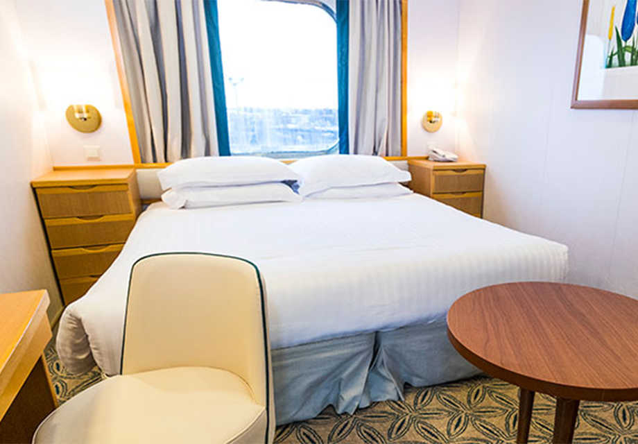 P&O-Oriana---Rooms---Outside-Cabin-Obstructed-View
