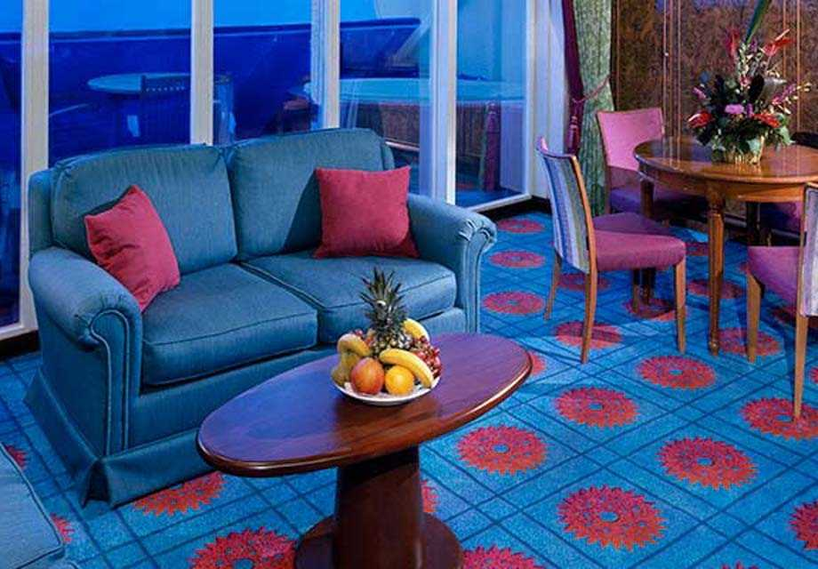Norwegian Sky - Rooms - Owner's Suite