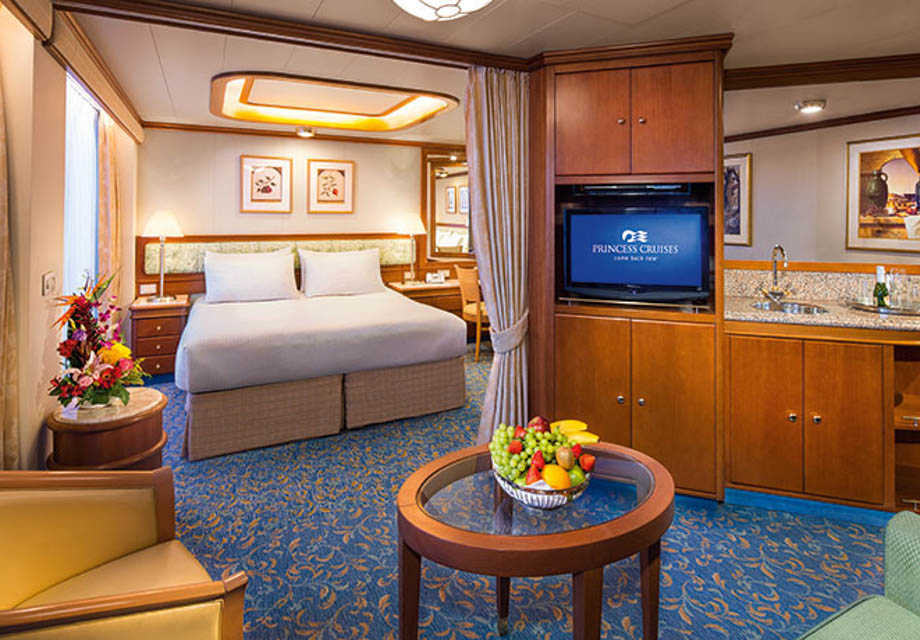 Crown Princess - Rooms - Suite with Balcony