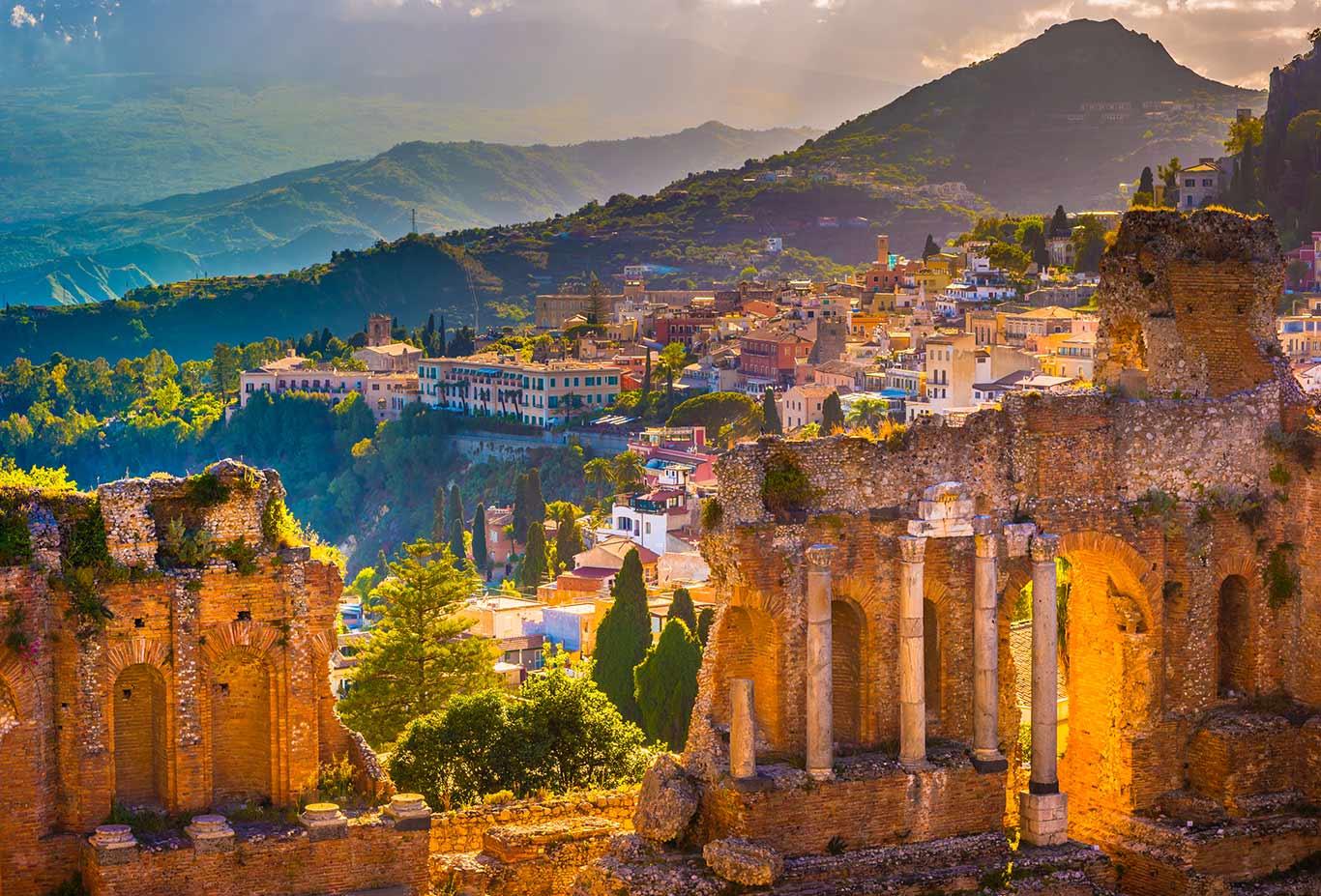 Taormina's Dramatic History & Culture