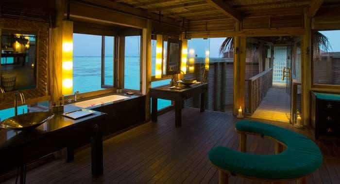 Gili Lankanfushi Villa Bathroom