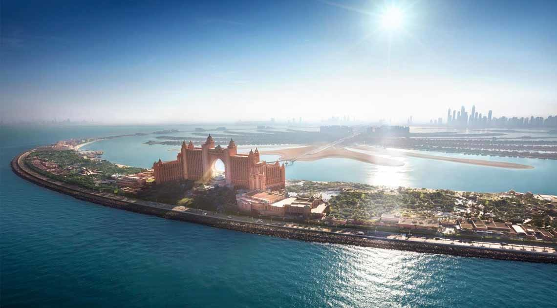Atlantis The Palm gleaming in the sun