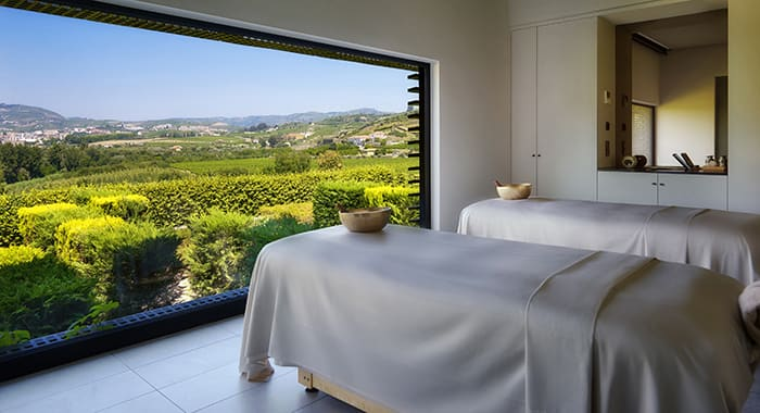 Treatment room with full length mirror of Douro Valley