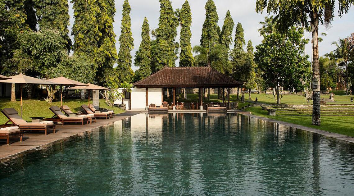 Chehi Club swimming pool