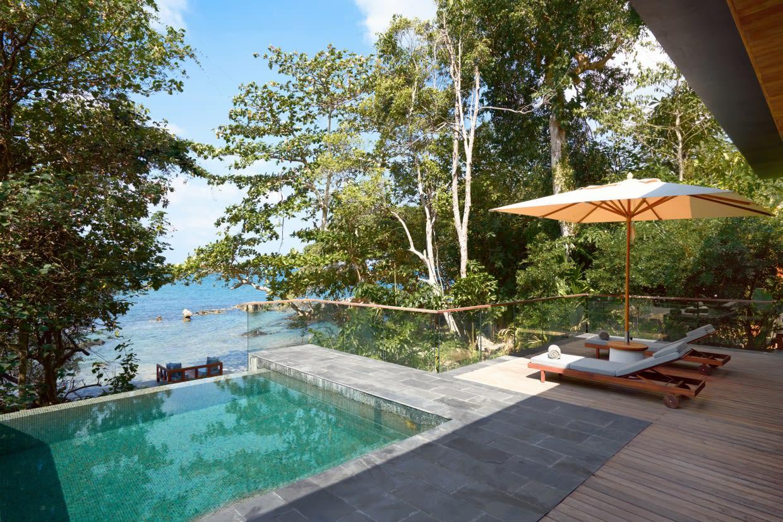 Oceanfront Pool Villa Suite