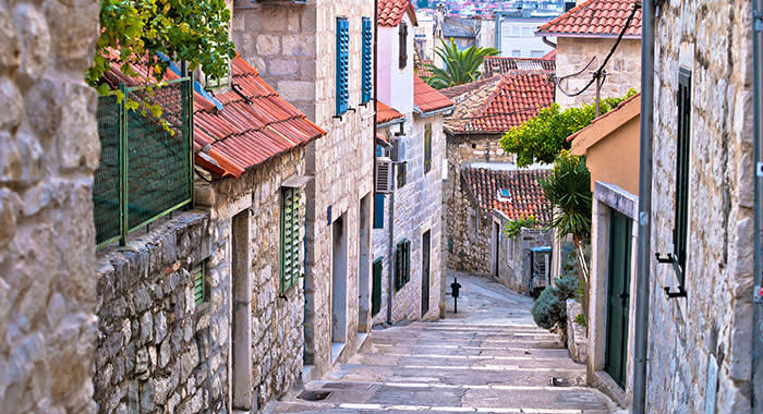 Split winding streets