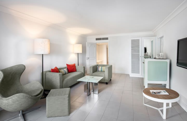 Ambre Suite living