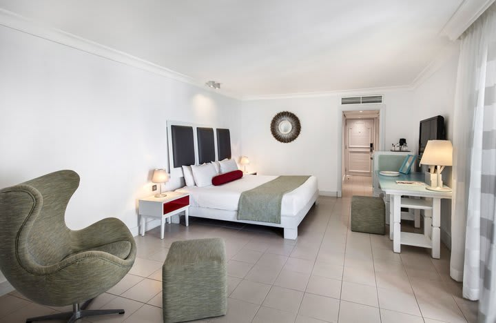 Ambre Deluxe Room beach