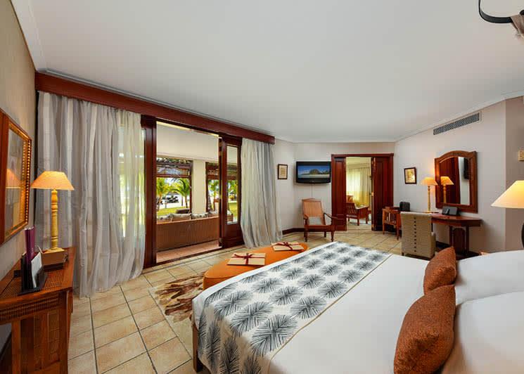 Club Senior Suite bedroom