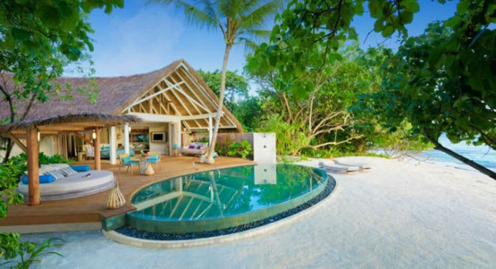 Beach villa with swimming pool