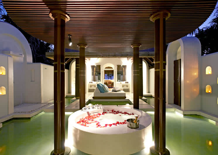 Beach Pool villa bathroom