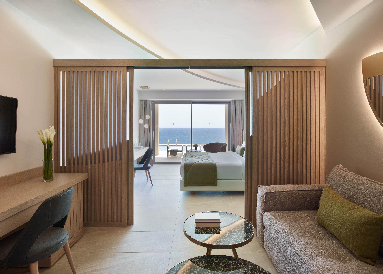 Premier Suite Swim Up Sea View