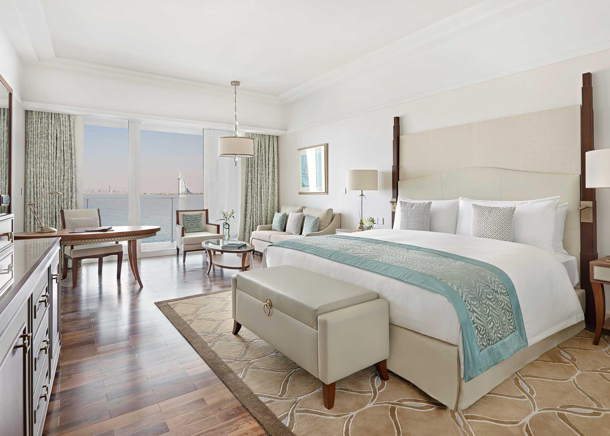 Waldorf Suite King