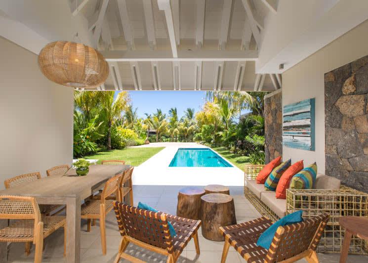 Deluxe Villa outdoors