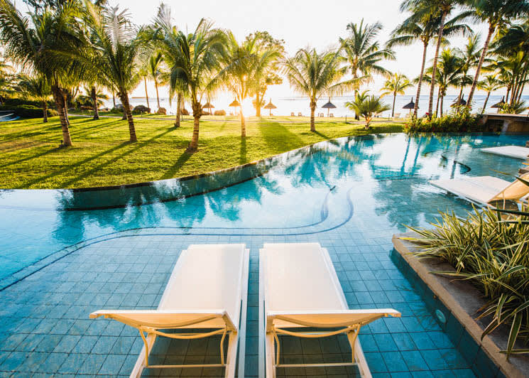 Swim up loungers