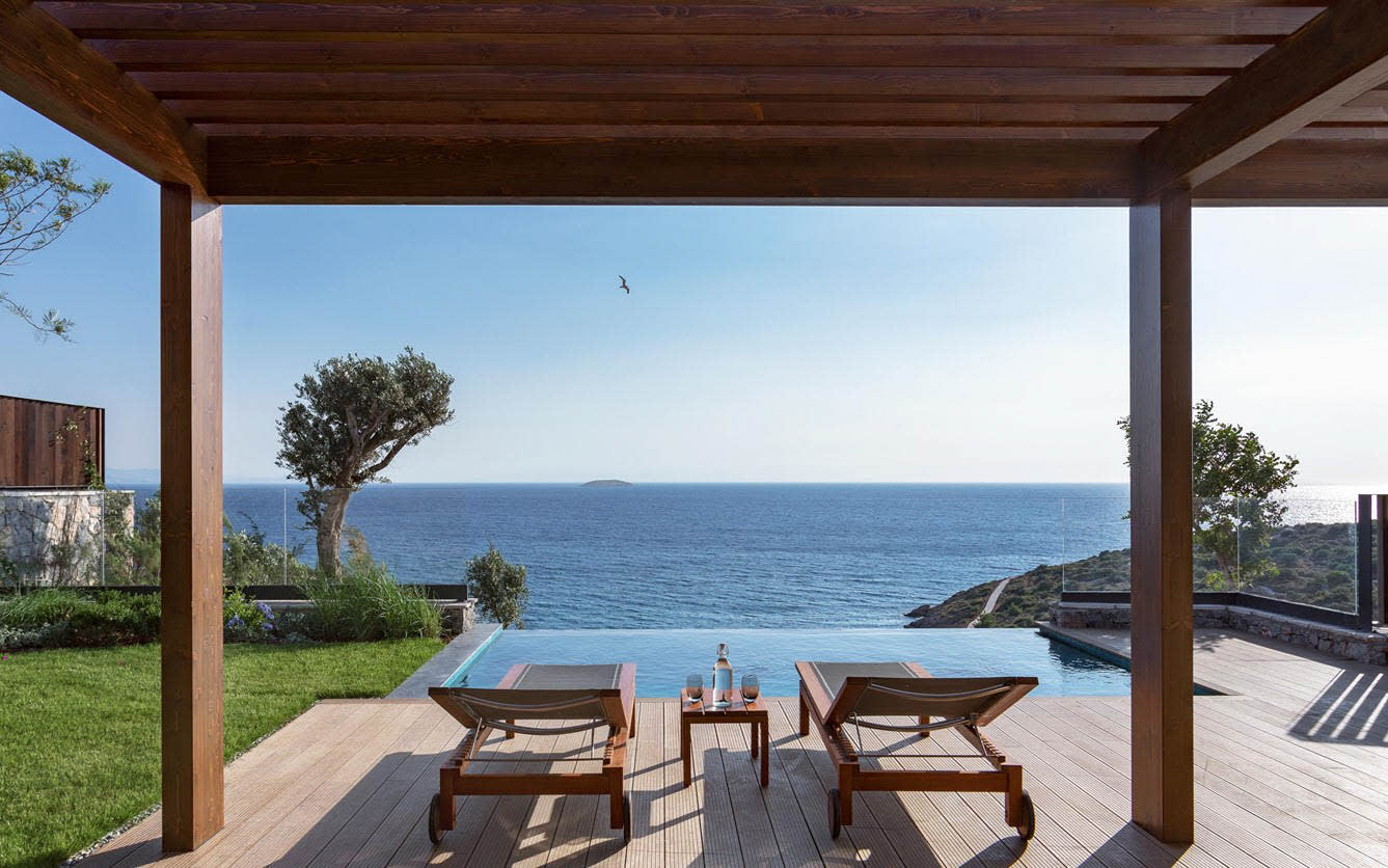 Seaview ridge family terrace with pool
