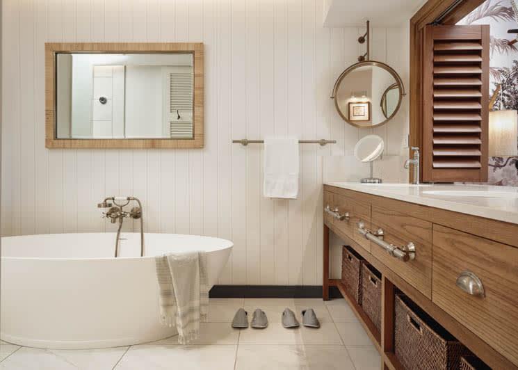 Prestige Junior Suite bath