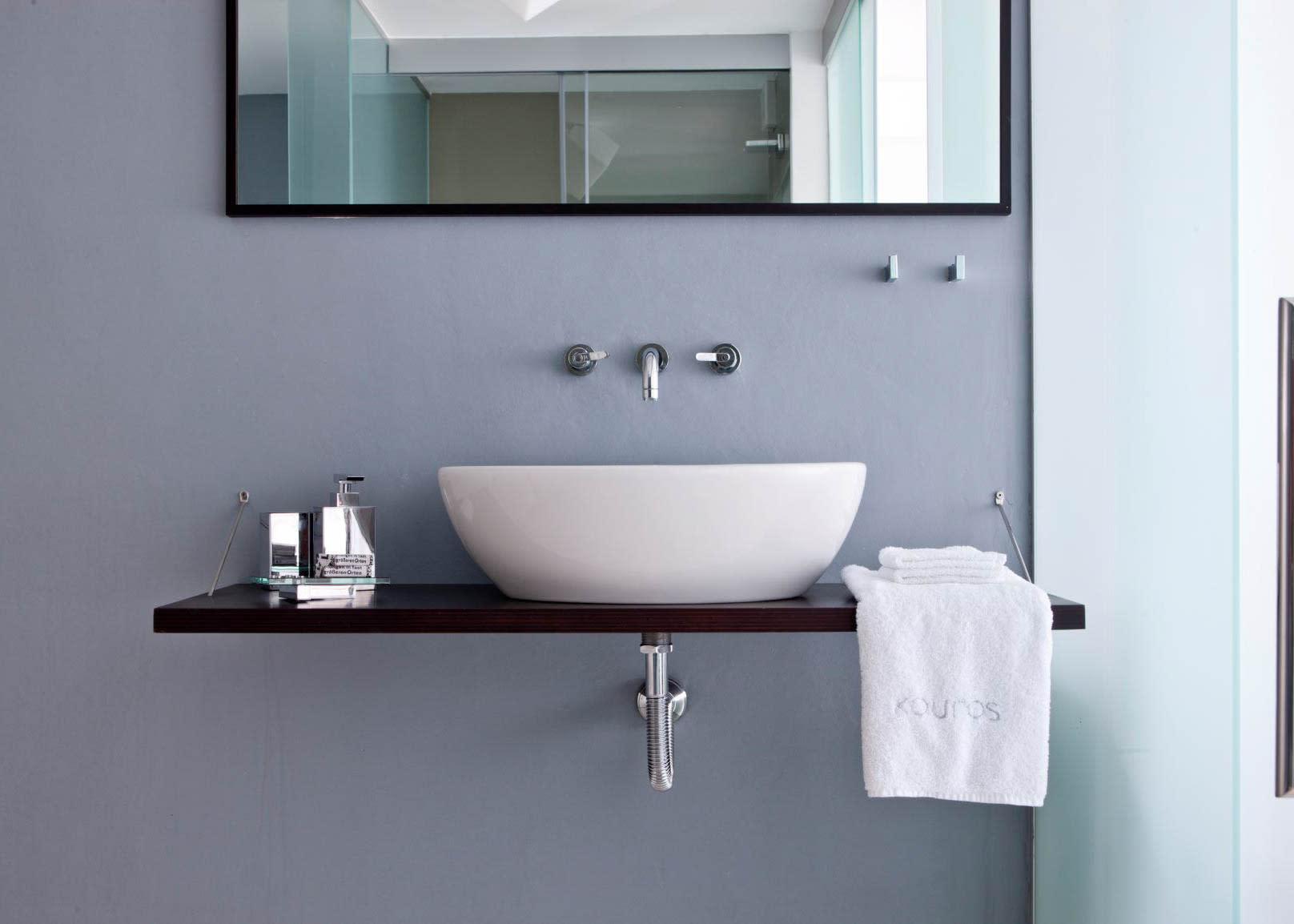 Classic double sea view bathroom