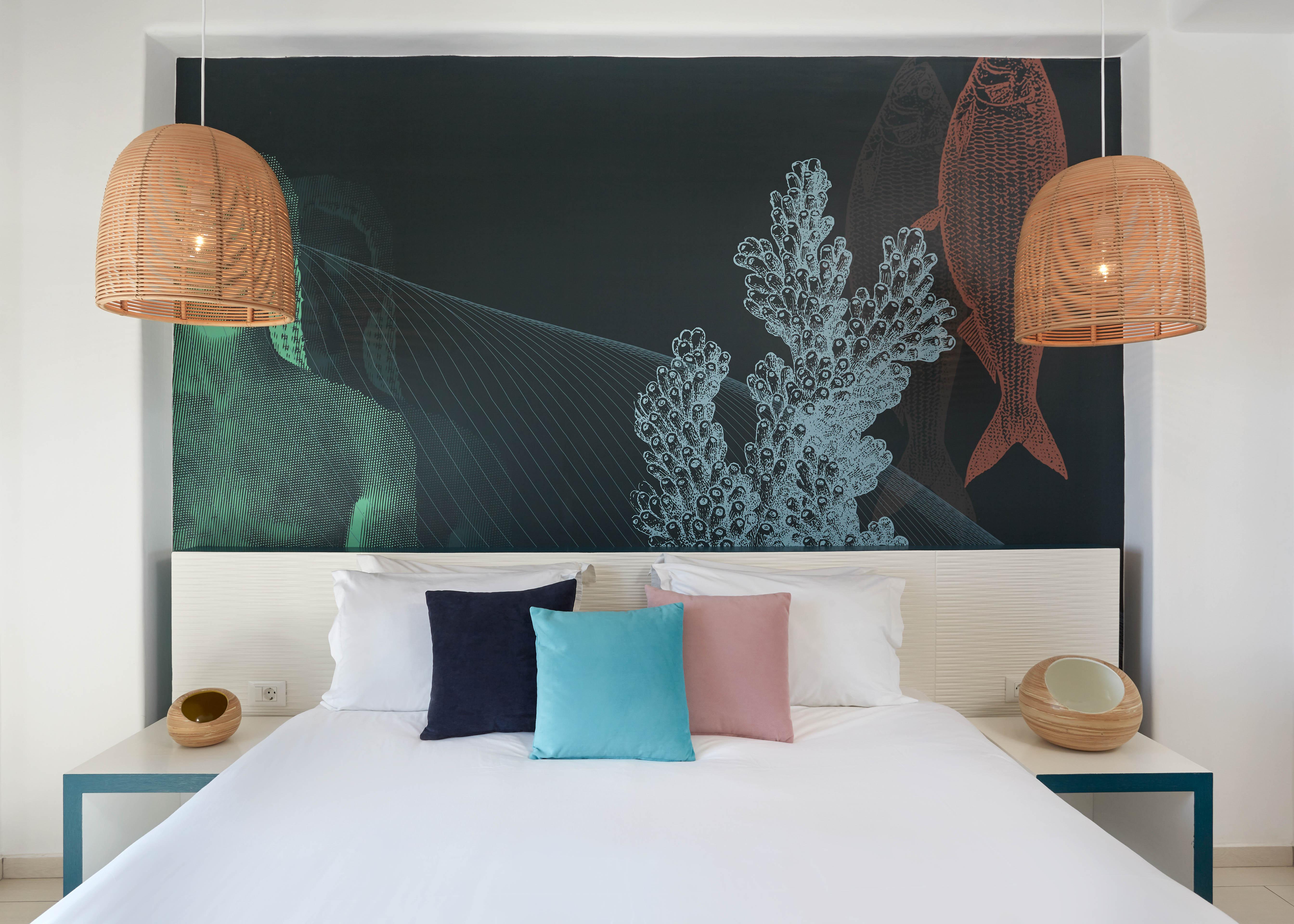 Junior suite sea view bed