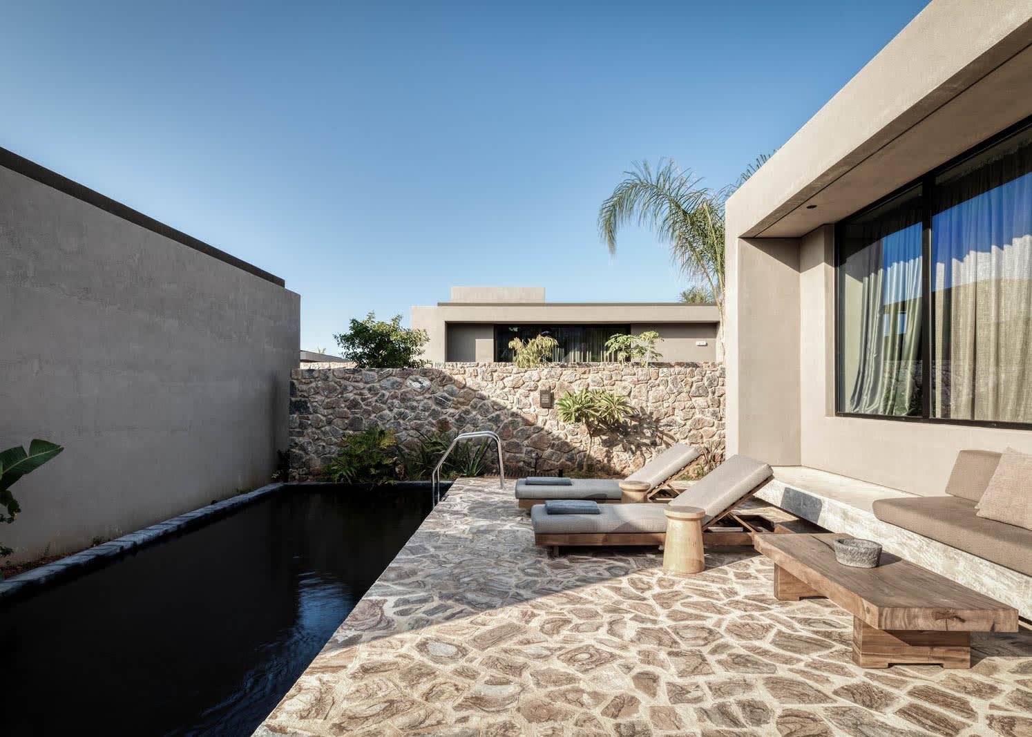 Tropical Open Plan Suite Outdoor Area