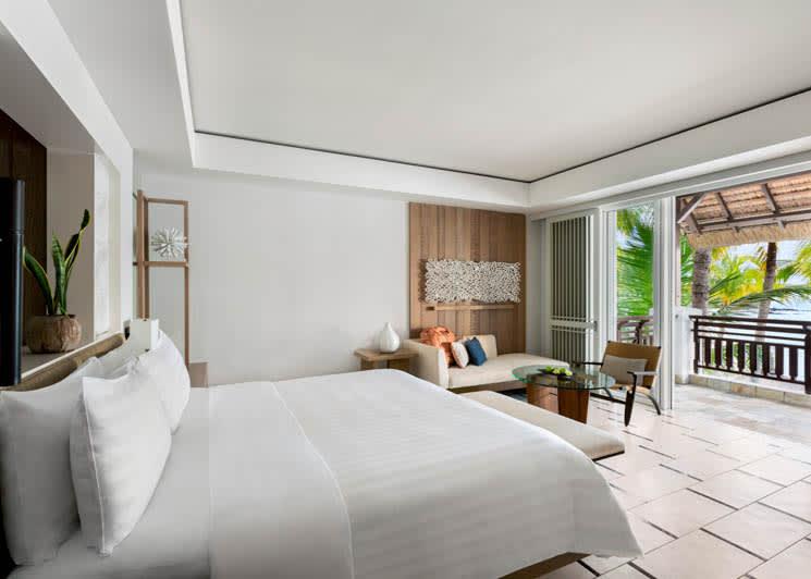 Junior Suite Hibiscus Ocean View King Bedroom