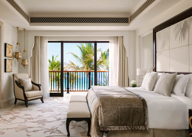 Mansion Palm Beach Exec Suite bedroom