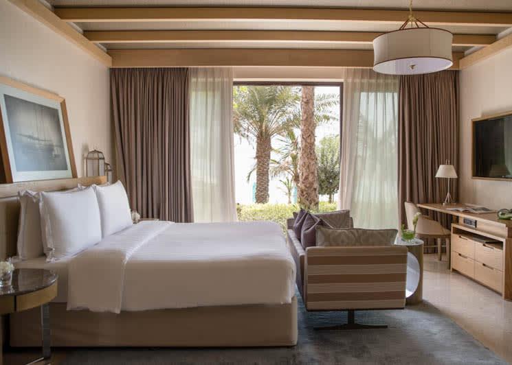 Jumeirah Al Naseem   Gulf Ocean Suite   Bedroom