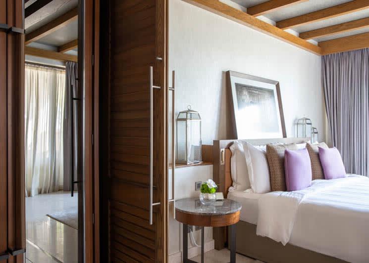 Jumeirah Al Naseem   Resort Deluxe Bedroom