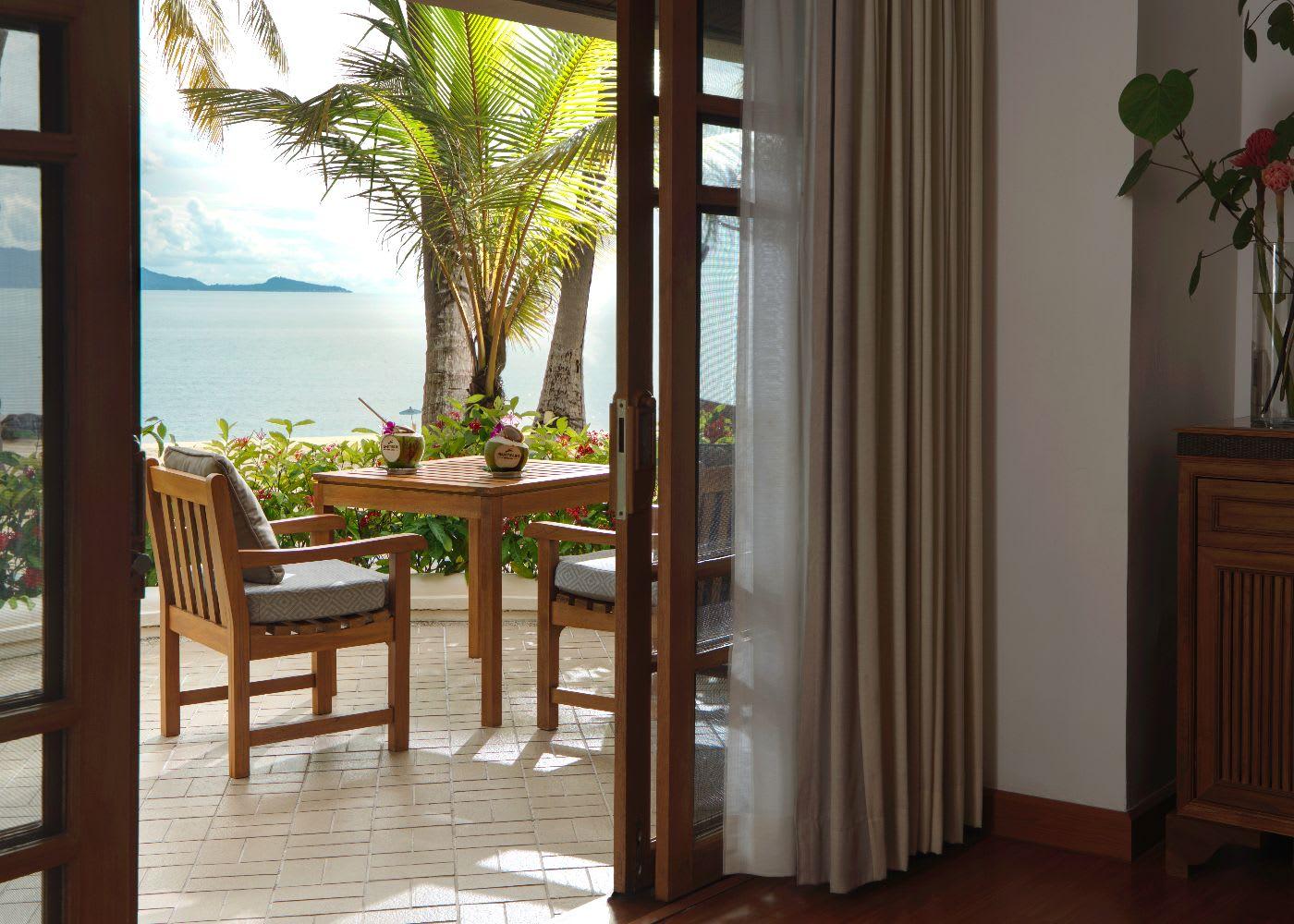 Deluxe Beachfront Villa