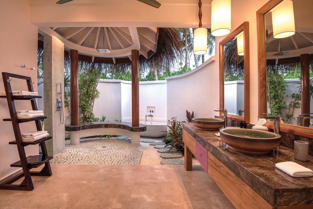 2 bed beach pool suite bathroom