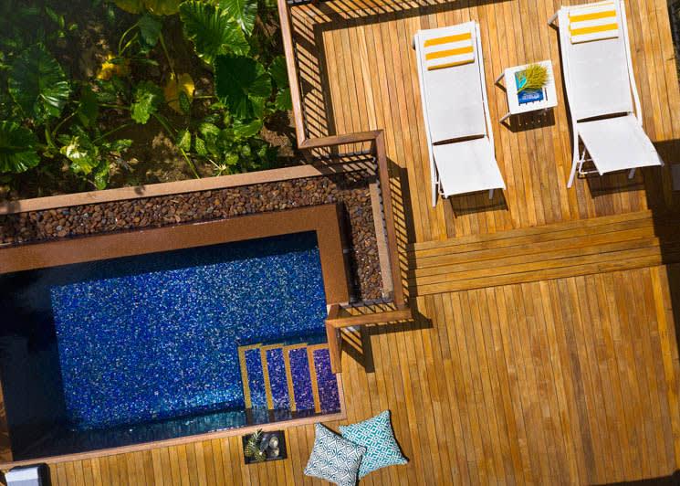 Garden Villa pool & deck