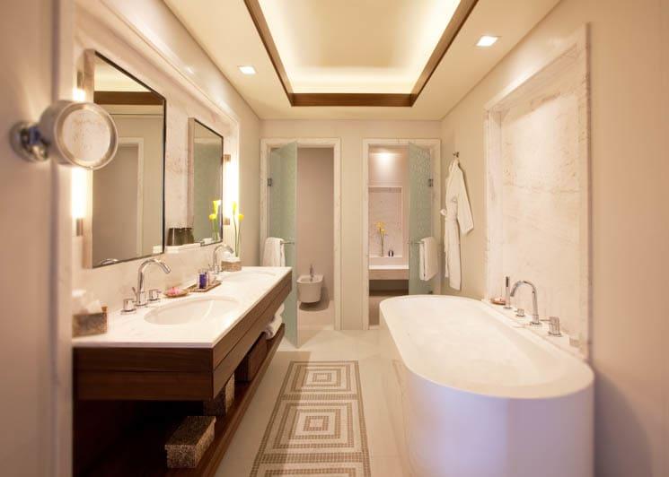Sea View Residence Two Bedroom Suite bathroom