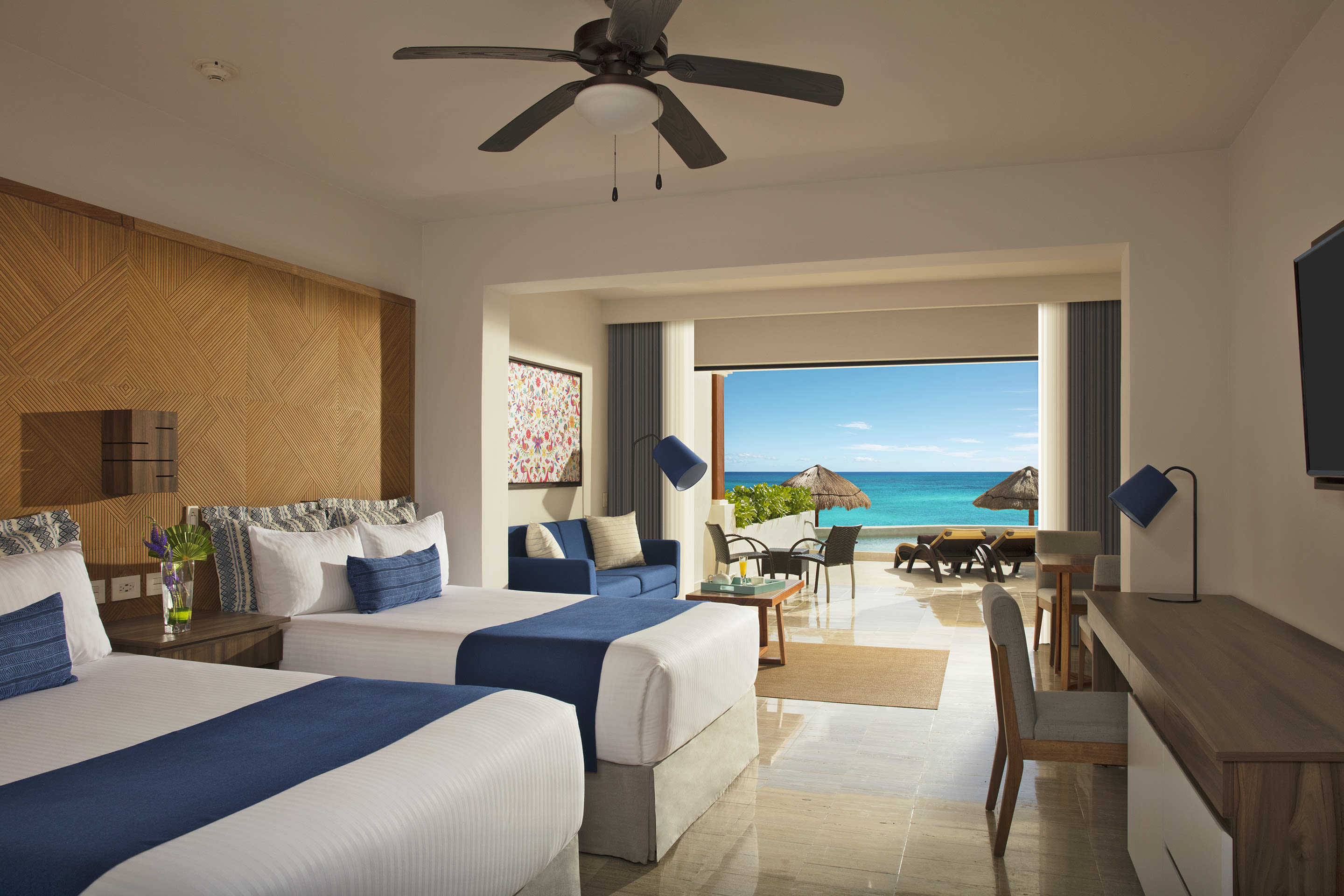 Preferred Club Junior Suite Beach Front Swim Out Double
