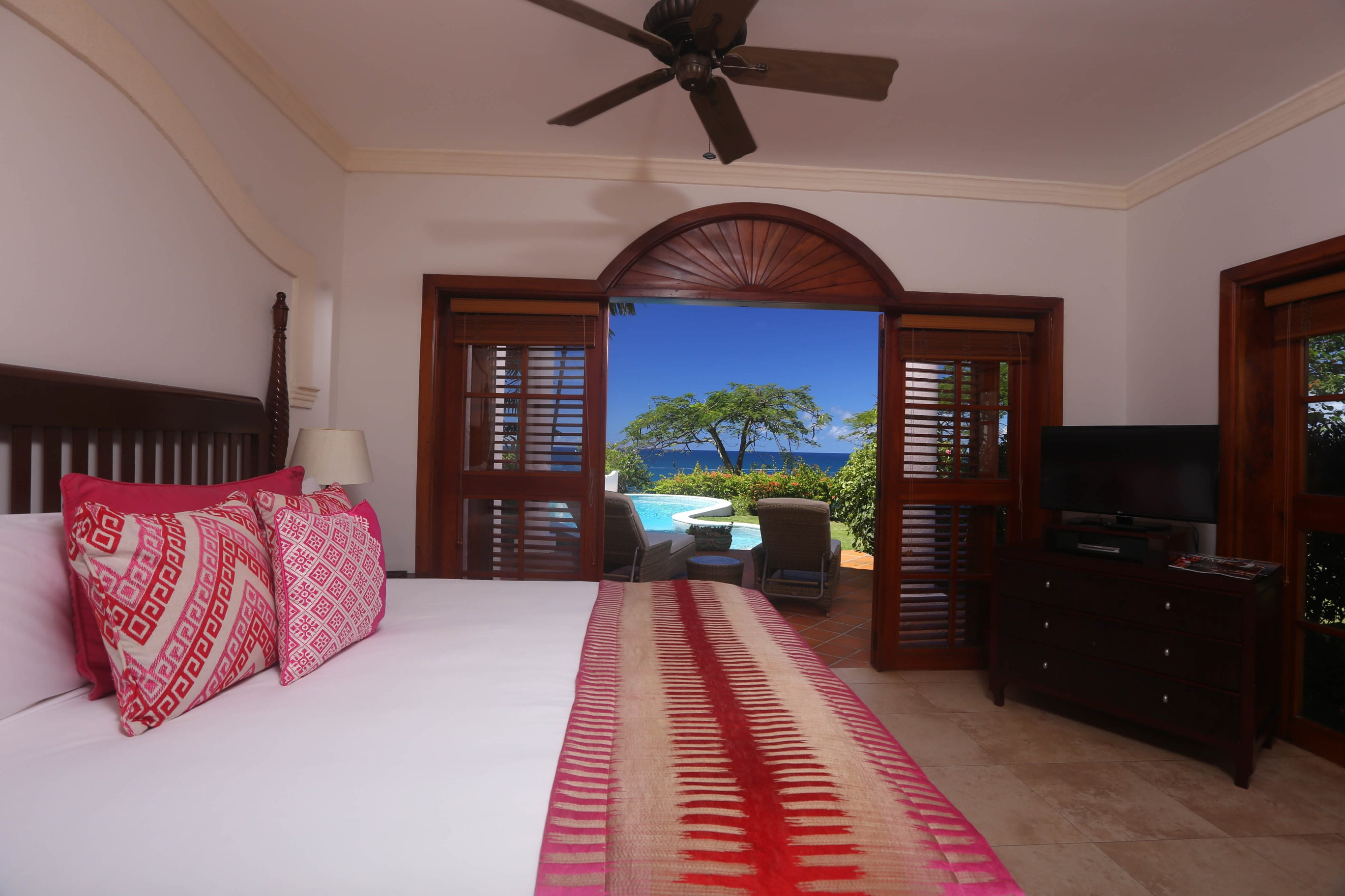 Master Bedroom to VIlla