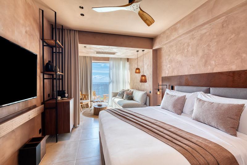 Sapphire Open Plan Suite Bedroom
