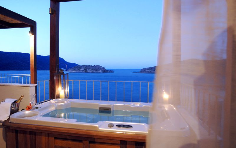 Premium 1 Bedroom Suite Sea View with Outdoor Jacuzzi