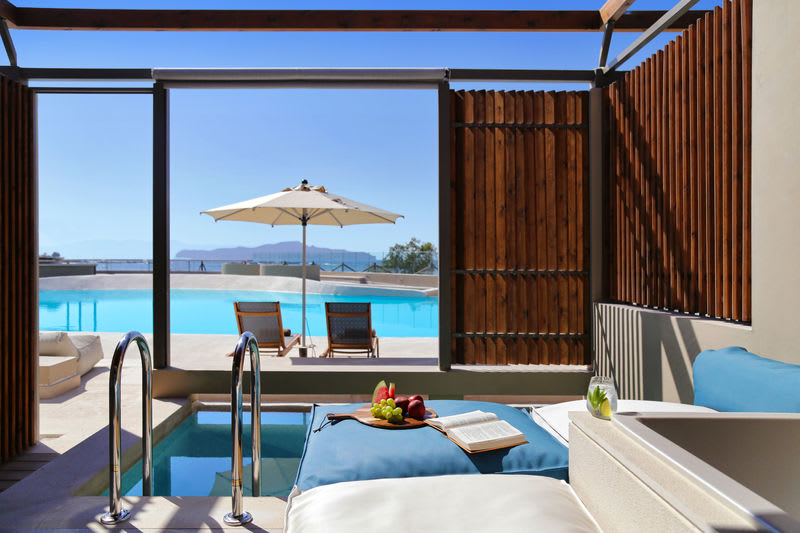 Upbeat Retreat Sea View with Plunge Pool Terrace