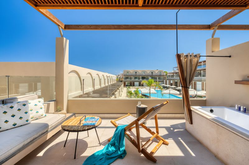 Wellness Loft Suite, Pool View with Outdoor Heated Jacuzzi