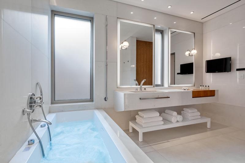 HRH Ivory Bathroom