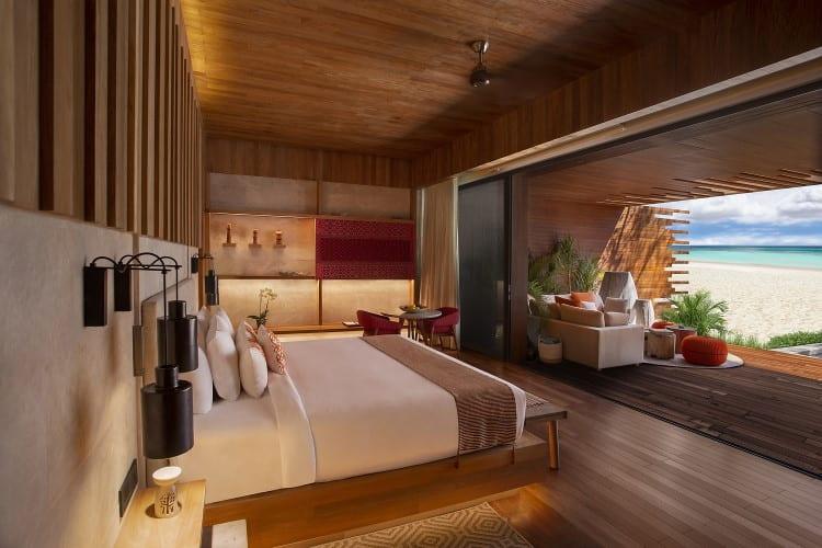 Beachfront Pool Suite Room