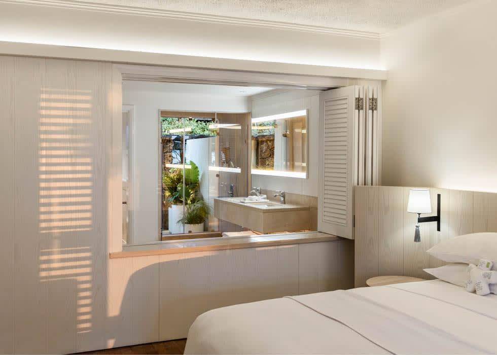 Prestige Room bedroom
