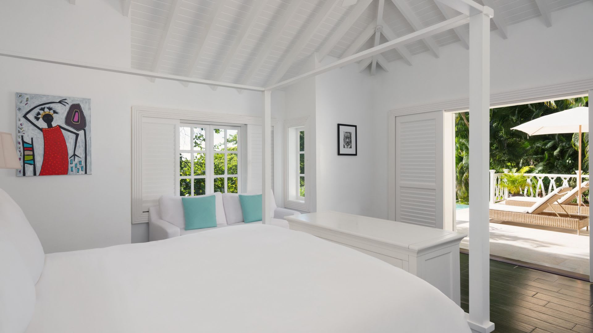 Bedroom and outdoors