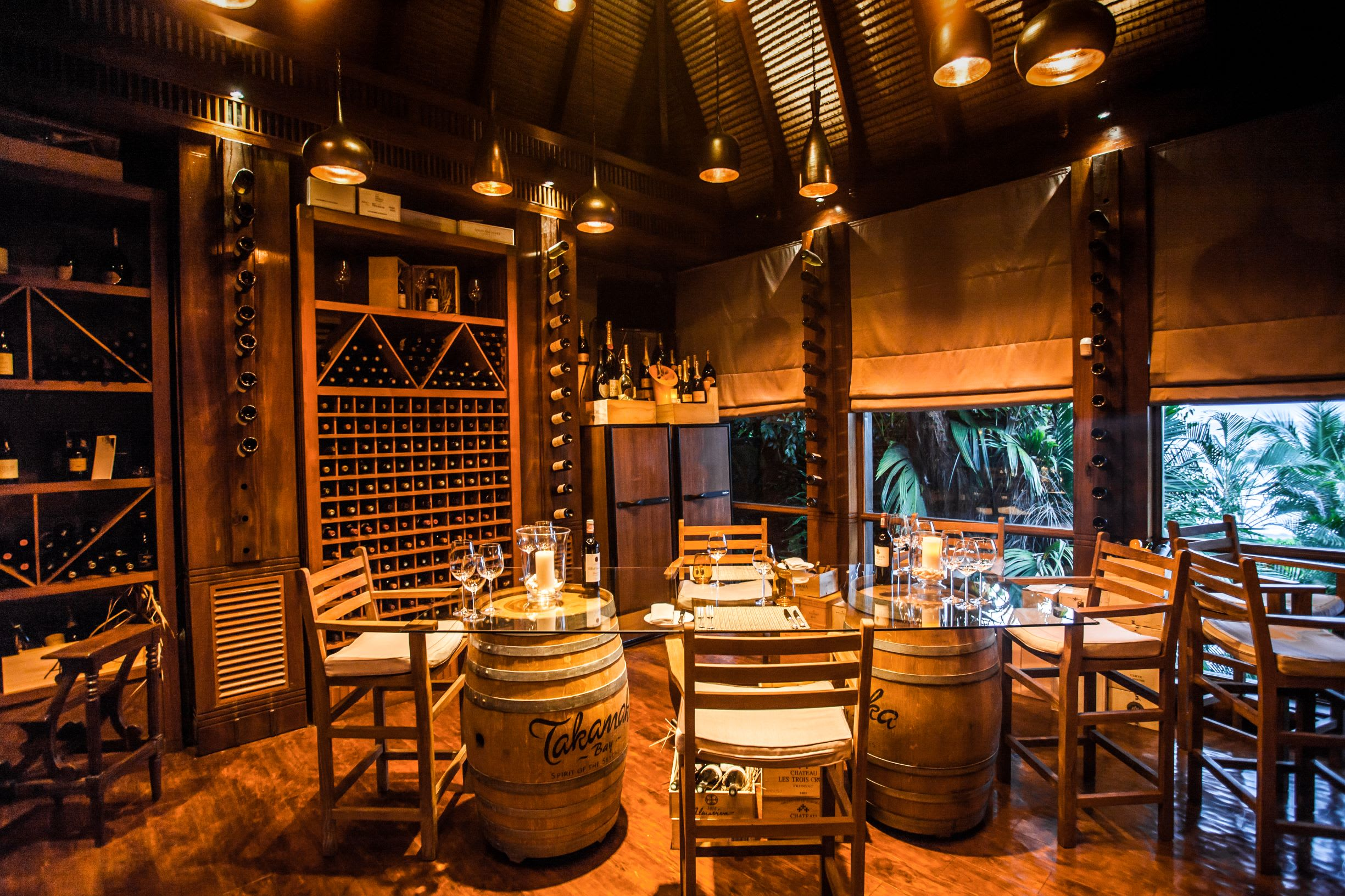 Dinning  by Design Wine Boutique Romantic