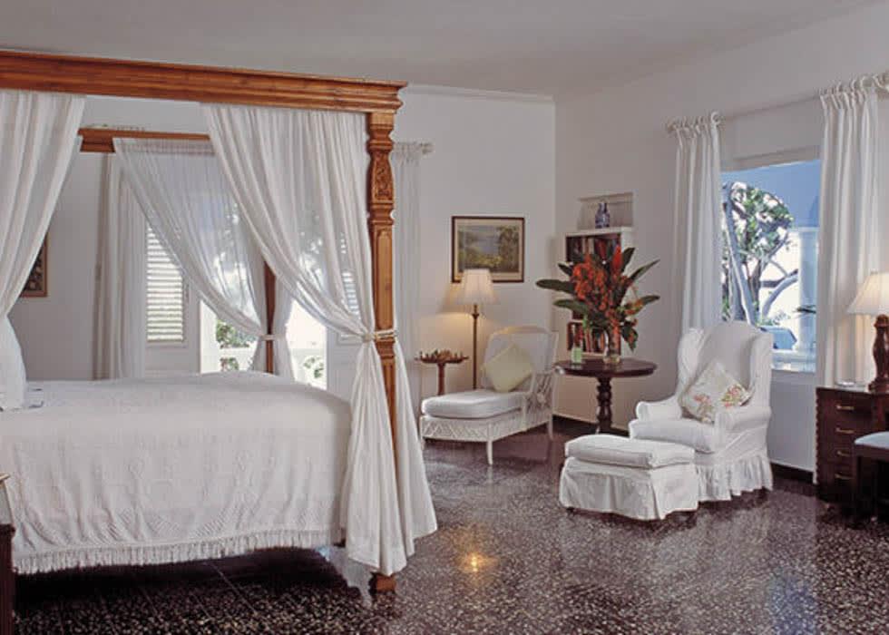 Suite 21 bedroom