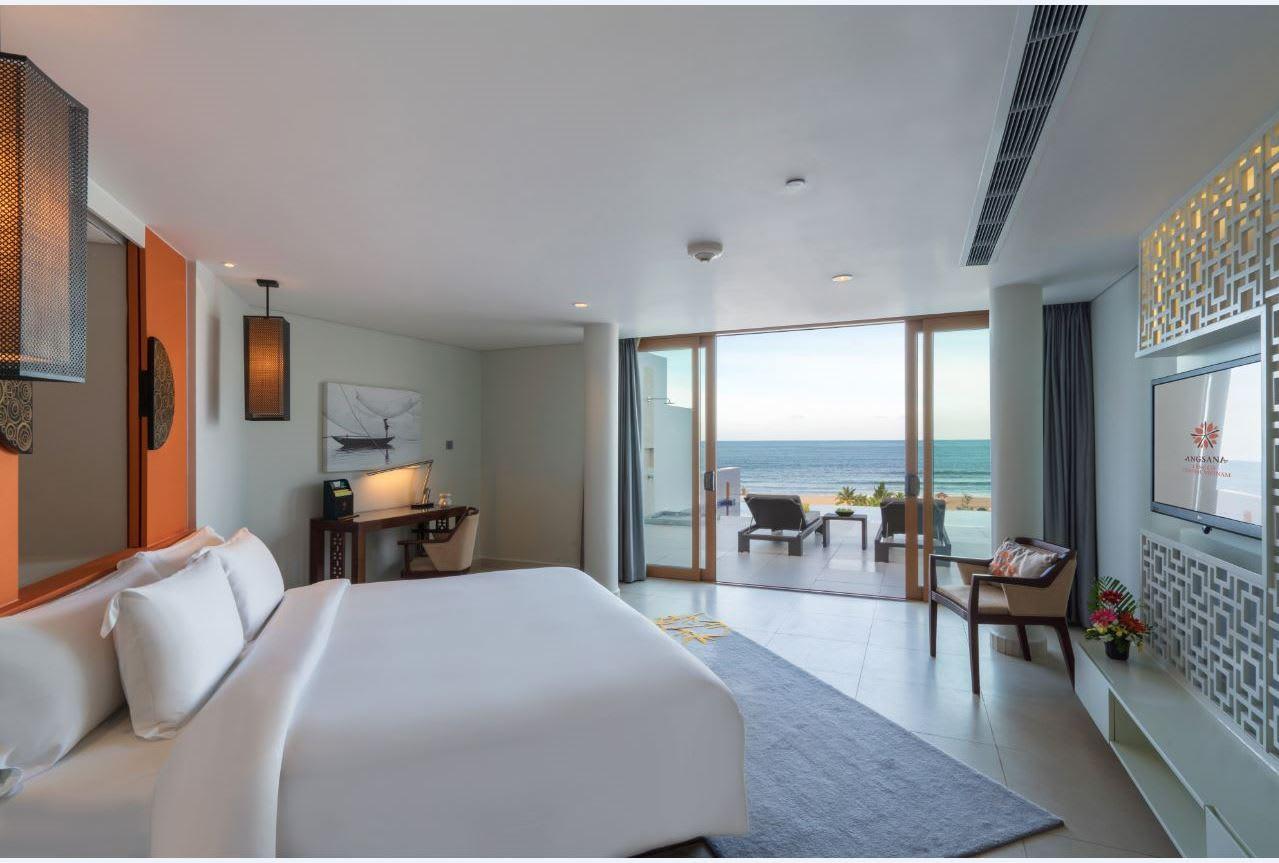 Seaview 1 bedroom Pool Suite