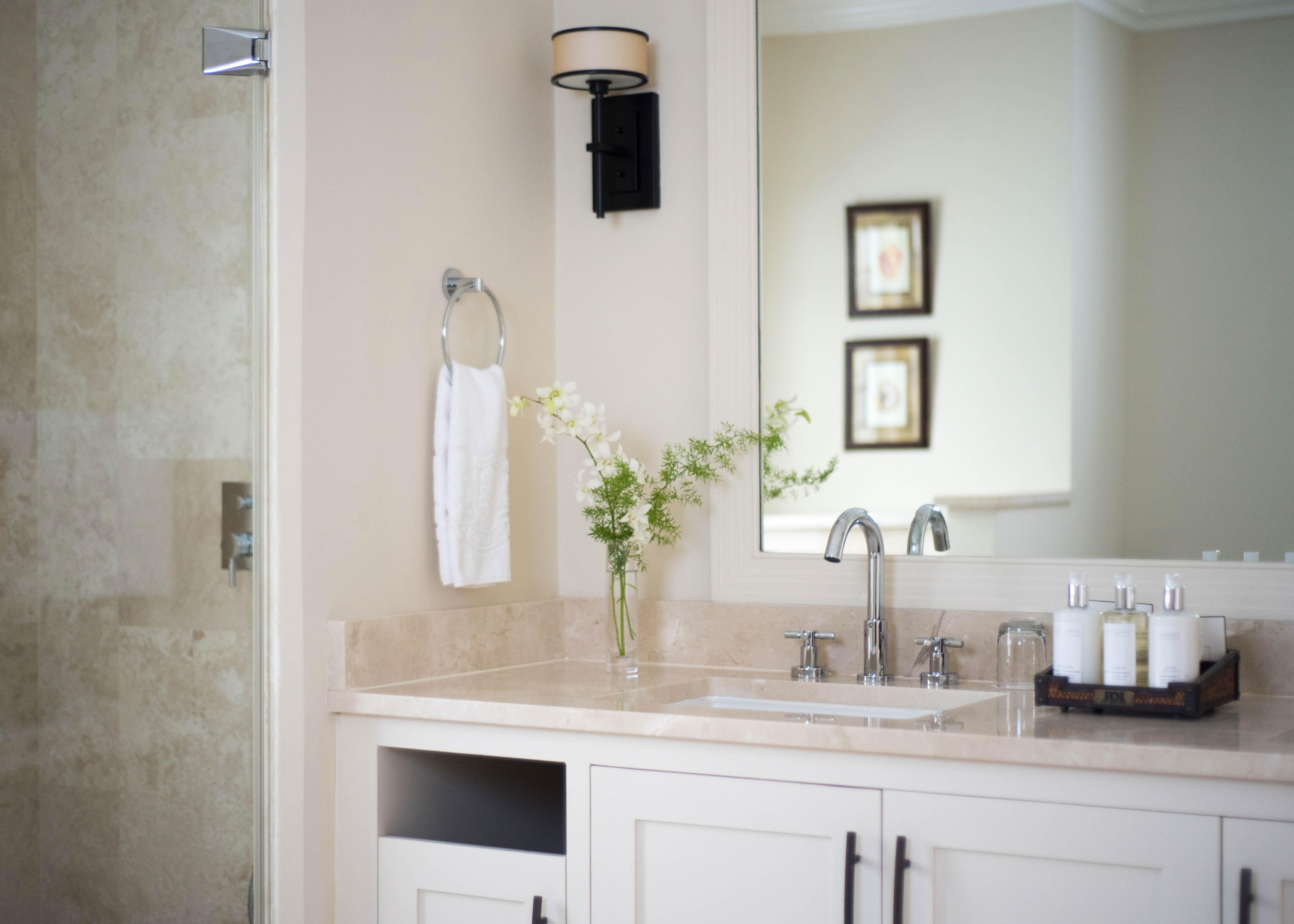 Luxury Junior Suite Bathroom