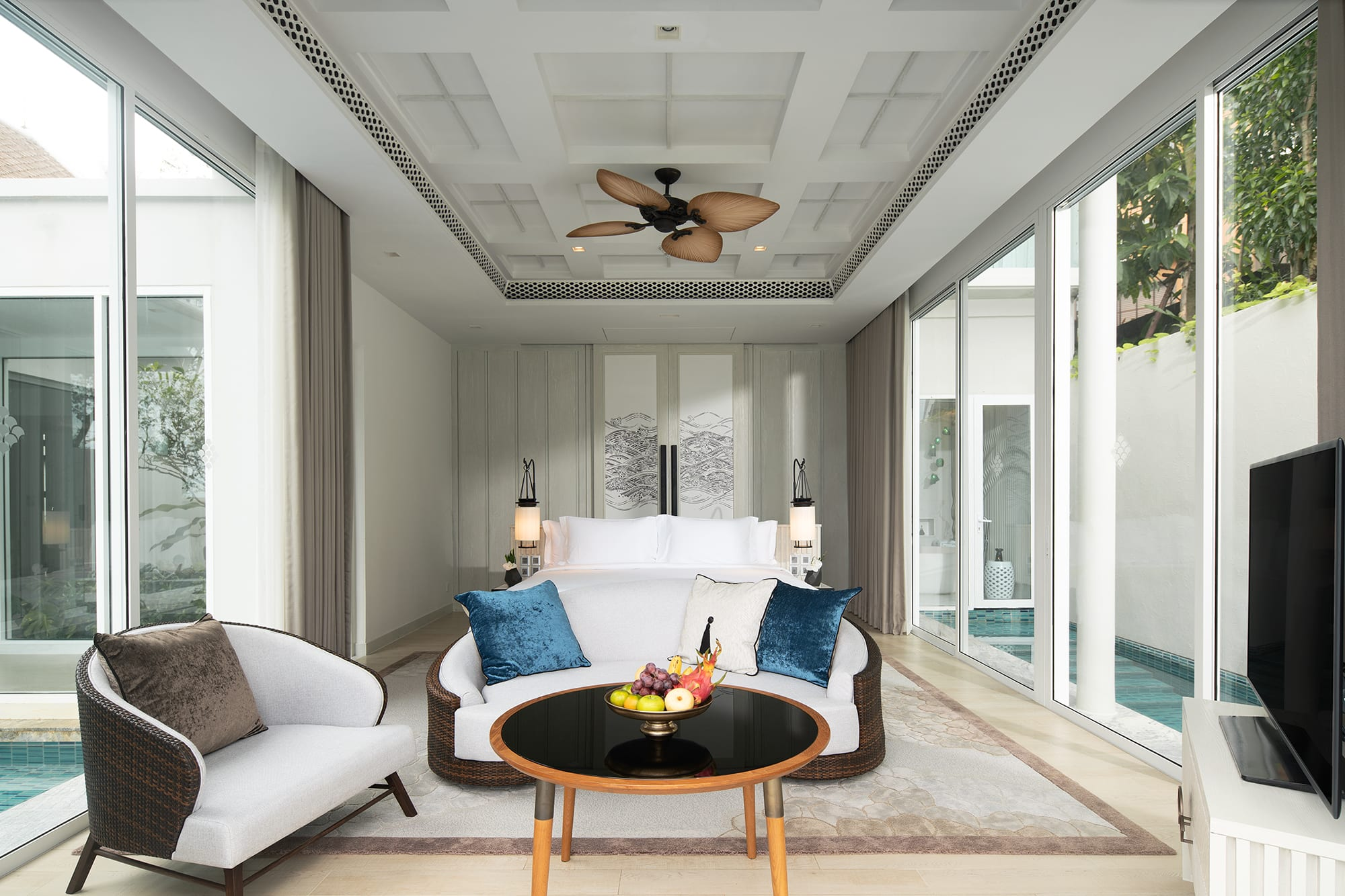 Presidential Beachfront Pool Villa Master Bedroom
