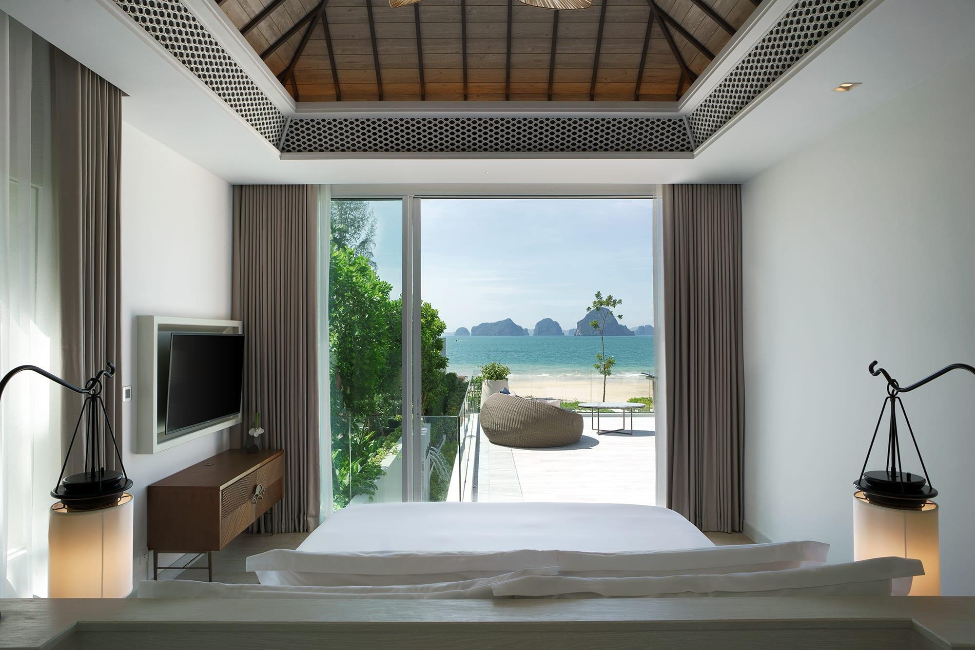 Presidential Beachfront Pool Villa Bedroom