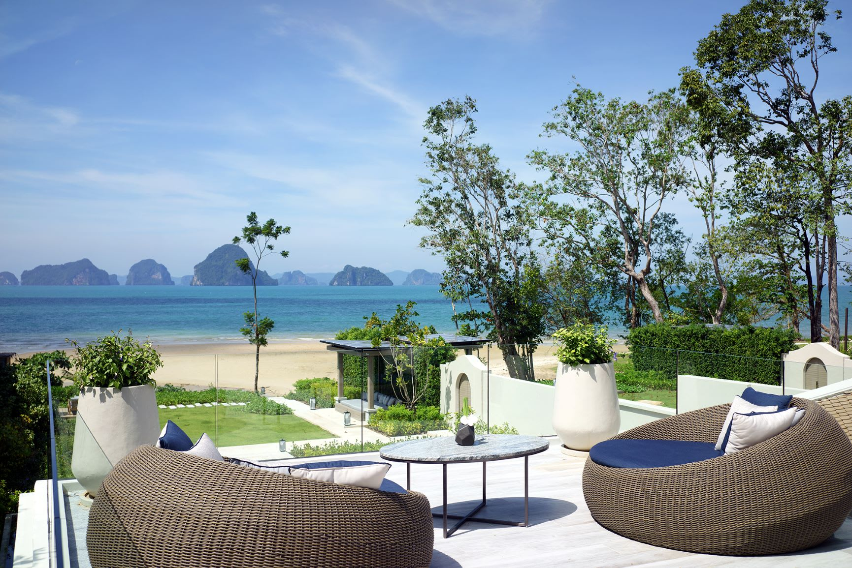 Presidential Beachfront Pool Villa